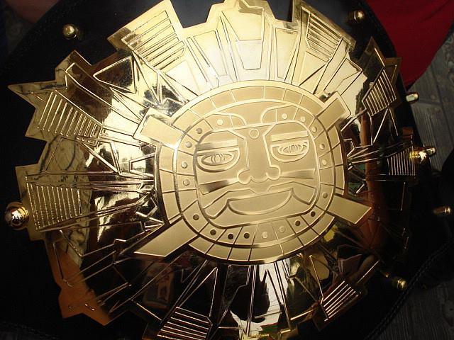 El Título Internacional Hatun Auqui fue el primer campeonato moderno de Lucha Libre.