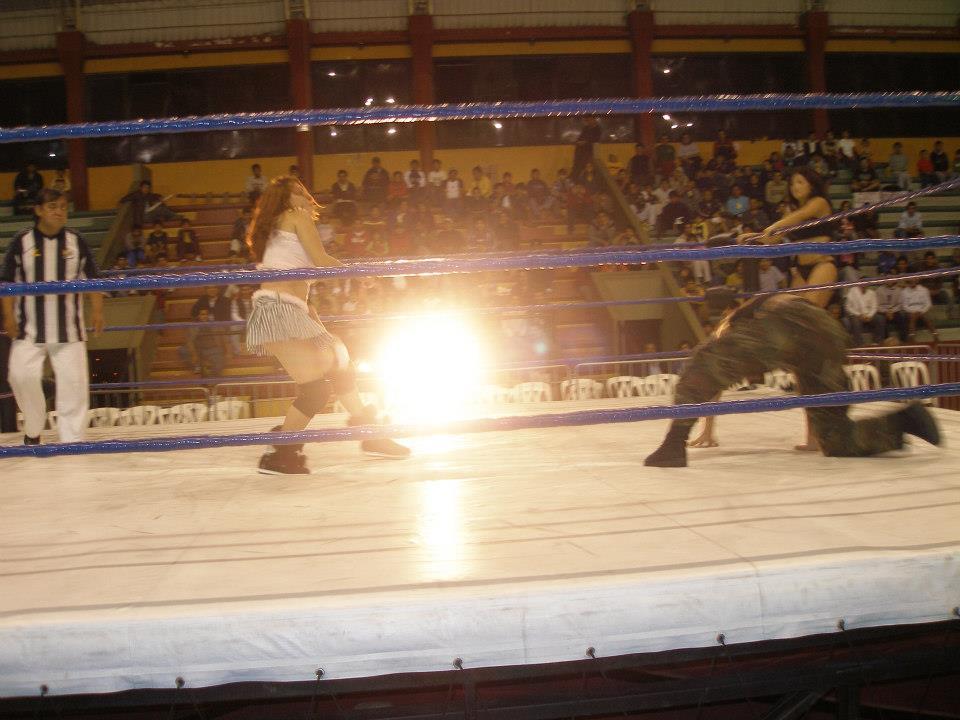 Encuentro de lucha libre de la división femenina
