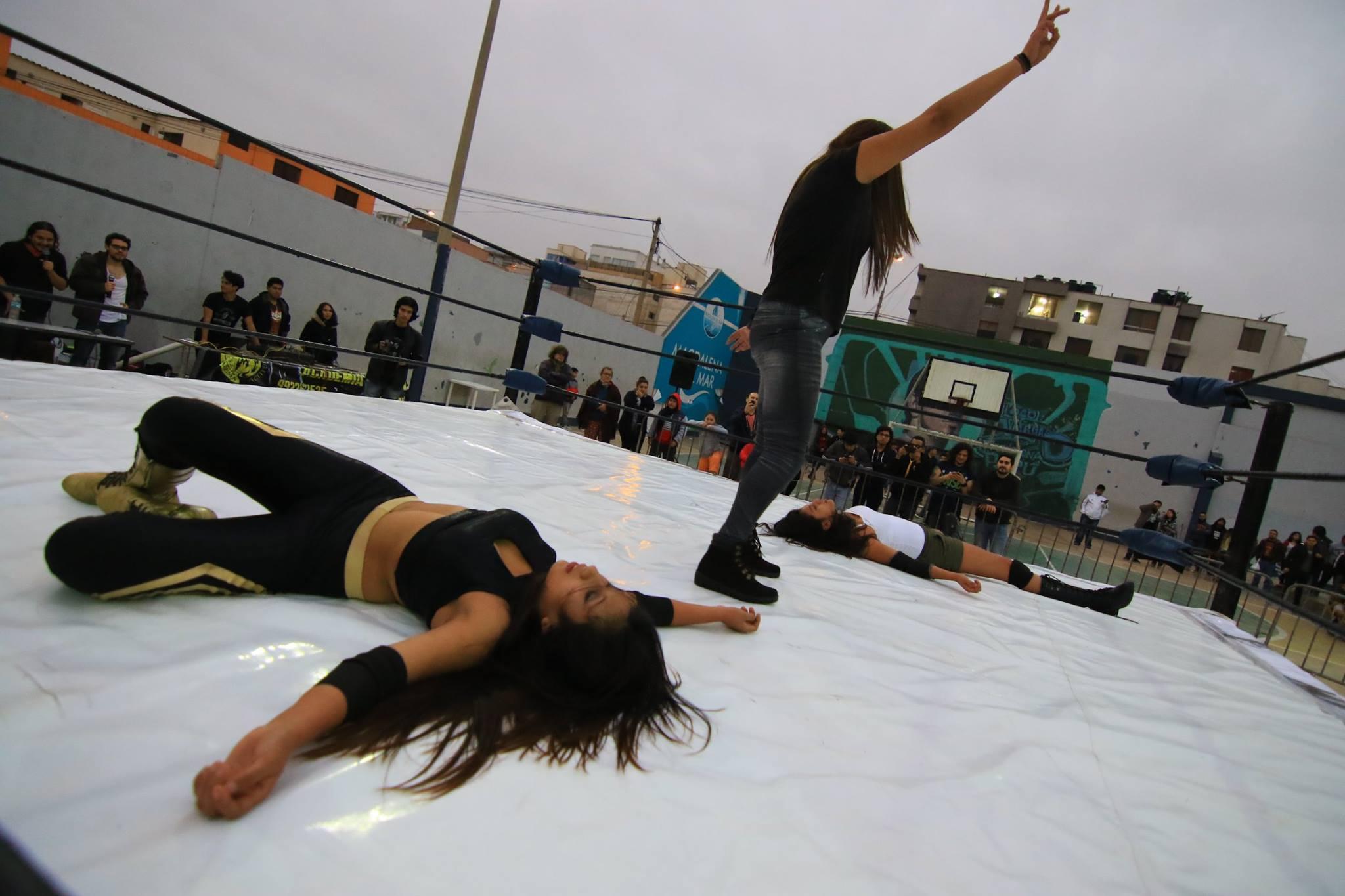 Alexa Vs Isis Women Wrestling